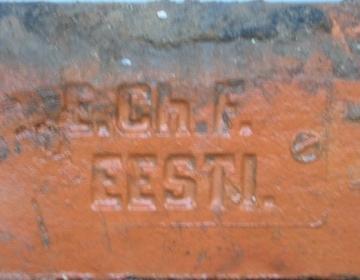 E.Ch.F. punane